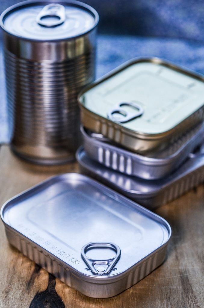 food sotred in sealed cans